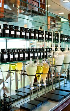 Memorial Day Beauty Destination: Naturopathica's East Hampton Aromatherapy Bar - Vogue Daily - Fashion and Beauty News and Features Perfume Store, East Hampton, Retail Design, Store Design, Diy Beauty, Beauty News, Memorial Day, The Hamptons, Essential Oils