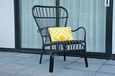 Royale loungestoel in retro style gemaakt om heerlijk in de tuin of woonkamer te ontspannen.