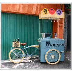 Risultati immagini per food truck bicicleta Food Trucks, Coffee Carts, Coffee Truck, Food Box, Tricycle, Vw T1 Camper, Bicycle Cart, Vendor Cart, Bike Food