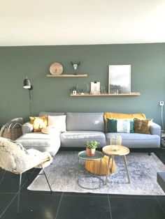 38 Best Minimalist Living Room Design Ideas For This Year 25 Living Room Green, My Living Room, Living Room Furniture, Living Room Decor, Interior Design Living Room, Living Room Designs, Living Room Color Schemes, Home And Deco, Home Decor