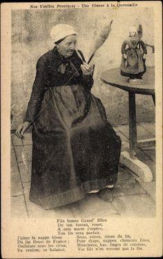 Flax spindle spinning Postcard Nos vieilles Provinces, Fileuse, Quenouille, poupée