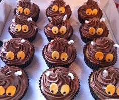 Gruffalo-ish cupcakes www.clarescupcakes.co.uk Birthday Party Treats, 2 Birthday Cake, Baby Birthday, First Birthday Parties, Gruffalo Party, Party Food And Drinks, Chocolate Cupcakes, Kids Meals, Cake Decorating