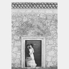 Tudo o que a gente aprende sobre o amor ainda não é nada do que ele realmente significa!  Paulinha e Fernando  #wedding #ensaionoivos #bride #casamento #noivos #ensaiodecasal #weddingday #love #live