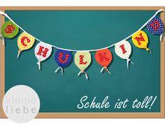 """Nichts ist so spannend wie der erste Schultag! Um diesen besonderen Tag richtig zu feiern gehört auch eine tolle Dekoration dazu.    Die ca. 2,00m  langen Wimpelkette, ist anstelle von dreieckigen Wimpeln mit bunten Ballons und kleinen Bändern verziert. Aufschrift: """"SCHULKIND"""""""