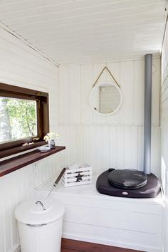 Yurt Living, Outdoor Toilet, Off Grid House, Rv Homes, Outdoor Bathrooms, Weekend House, Laundry Room Design, Modern Rustic Interiors, Cabins In The Woods