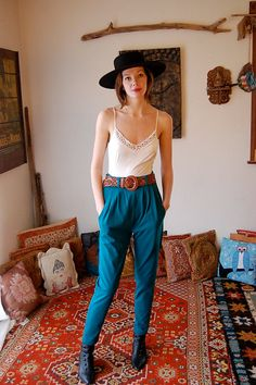 High Waist Trousers Vintage Teal High Waist Indie Boho Slim Pants (s m) Mode Style, Style Me, Look Fashion, Fashion Outfits, High Fashion, Fashion Trends, Baggy Pants, Slim Pants, Alternative Rock