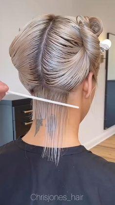 Hair Cutting Videos, Hair Cutting Techniques, Hair Color Techniques, Hair Videos, Medium Hair Styles, Curly Hair Styles, Pixie Haircut Styles, Hair Medium, Grunge Hair