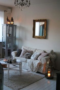 Mitt vardagsrum , indiskt vitrinskåp / skåp , ektorp soffa , tinek , dayhome #pbhome kuddar , indiskt