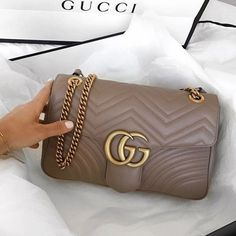 Find tips and tricks, amazing ideas for Gucci purses. Discover and try out new things about Gucci purses site Gucci Purses, Chanel Handbags, Louis Vuitton Handbags, Purses And Handbags, Gucci Bags, Burberry Handbags, Hermes Handbags, Chanel Bags, Small Handbags
