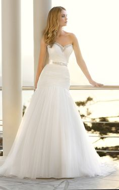 Elegant tulle wedding dress by Stella York. (Style 5515)