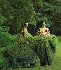 Caroline Trentini and Gemma Ward photographed by Steven Meisel, Vogue, December 2006 // John Galliano's topiary dresses for Christian Dior Couture Steven Meisel, Tim Walker, Gemma Ward, John Galliano, Galliano Dior, Foto Fashion, Fashion Art, Green Fashion, Trendy Fashion
