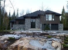 Informations sur le modèle Garage Double, Cottage, Construction, Cabin, House Styles, Home Decor, My Dream House, Open Concept Kitchen, Full Bath