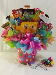 Candy Bouquet - in bucket - with bow and tissue Candy Boquets, Candy Bar Bouquet, Gift Bouquet, Birthday Candy, Birthday Gifts, Craft Gifts, Diy Gifts, Candy Gift Baskets, Raffle Baskets