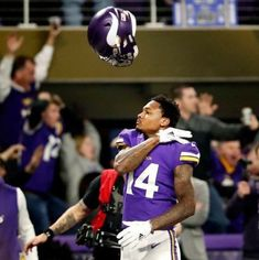 Stefon Diggs on January 2018 (The Minneapolis Miracle) Nfl Vikings, Minnesota Vikings Football, Best Football Team, Nfl Football, Football Players, Football Uniforms, Football Stuff, Football Memes, Usain Bolt