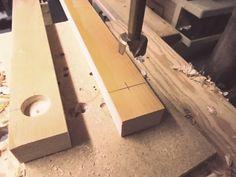 Jobsite Table Saw Rolling Stand / Support roulant pour scie de chantier   Atelier du Bricoleur (menuiserie)…..…… Woodworking Hobbyist's Workshop Jobsite Table Saw, Support, Decor, Diy Welder, Saw Tool, Carpentry, Atelier, Decoration, Decorating