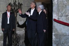 HAVANA, CUBA - MARCH 20:  U.S. President Barack Obama (C) walks through the the Museum of the City of Havana during a walking tour of the historic Old Havana guided by city historian Eusebio Leal (R) March 20, 2016 in Havana, Cuba. Obama is the first sitting president to visit Cuba in nearly 90 years.  (Photo by Chip Somodevilla/Getty Images)                                     via @AOL_Lifestyle Read more: http://m.aol.com/article/2016/03/20/obama-arrives-in-havana-for-h...