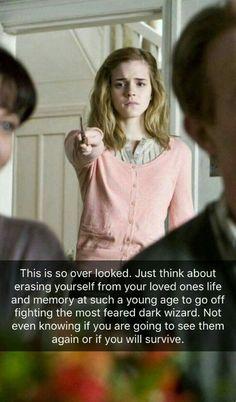 Hermione Granger so underrated Harry Potter J. Harry Potter World, Harry Potter Puns, Harry Potter Characters, Harry Potter Universal, Harry Potter Hogwarts, Facts About Harry Potter, Disney Hogwarts, Marinette Et Adrien, Harry Potter Pictures
