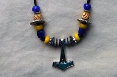 Halskette Thorshammer Glasperlen von BelanasSchatzkiste auf Etsy