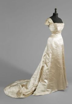 Ball Gown with Boned Bodice, ca. 1900  House of Worth