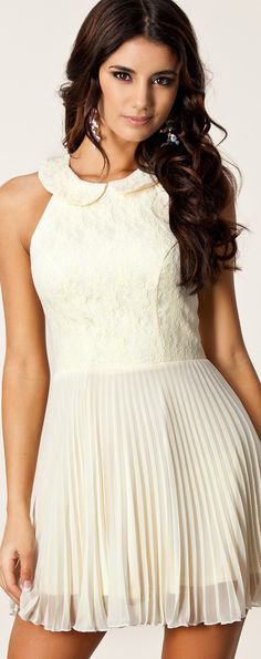 ELISE RYAN / PLEATED LACE COLLAR DRESS #cocktail #dress
