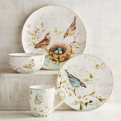 Vintage Nature lovers, take note. We've captured the beauty of the great outdoors to enjoy indoors. Crafted of dishwasher-safe earthenware, our dinnerware is perfectly suited for enjoying every day. Cosy Home, China Painting, China Patterns, Dinnerware Sets, Deco Table, Vintage China, Earthenware, Tea Set, Ceramic Art