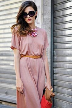 Enliven a jersey dress with hearty jewelry and a bright leather bag.</p>