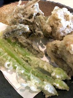 藤森、うどんの大河さん。ひやかけうどん、逸品。葱坊主、ひじき、まいたけの天ぷら。