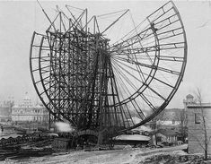 First of Its Kind: The Chicago Ferris Wheel of 1893 (check out the silhouette of the guy on the top left!)