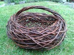 Weaving Projects, Weaving Art, Willow Weaving, Basket Weaving, Willow Garden, Making Baskets, Market Baskets, Animal Projects, Garden Trellis