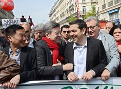 2014, με τον συμπρόεδρο του γαλλικού Αριστερού Μετώπου Jean-Luc Melenchon και τον επικεφαλής του Κομμουνιστικού Κόμματος της Γαλλίας Pierre Laurent σε διαδήλωση στο Παρίσι