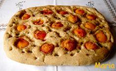 Focaccia con albaricoques. Ver la receta http://www.mis-recetas.org/recetas/show/42691-focaccia-con-albaricoques