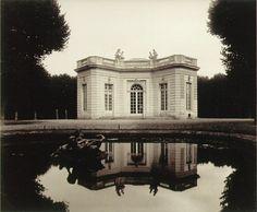 Eugène Atget. Petite Trianon, Versailles, 1923-4.
