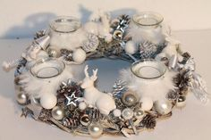 Fantastic Pics vintage Advent Wreath Tips Lots of chapels web host a great Advent-wreath-making celebration in the very first Saturday on the Christmas Advent Wreath, Christmas Candle Decorations, Christmas Arrangements, Holiday Wreaths, Winter Christmas, Christmas Crafts, Holiday Decor, Couronne Diy, Homemade Christmas Gifts