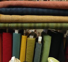 Little Quilts Blog: New weekend Wool Lovers  group meeting/Bertie's Fa...