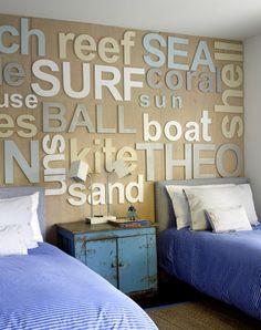 LA CLOSERIE - French style = Love this headboard idea