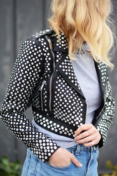 Add this jacket as a statement piece to your wardrobe.