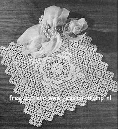 Filet Valentine  	  Doilies  Lily Design Book No. 201  Lily Mills Company 1960