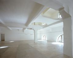 MEZZELUNE / centrale fies_a performing art space
