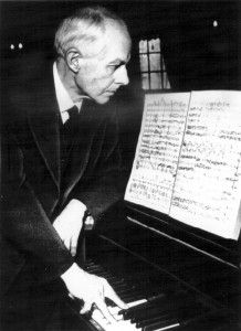 """""""Competitions are for horses, not artists.""""  (Bela Bartok): su musico favorito"""