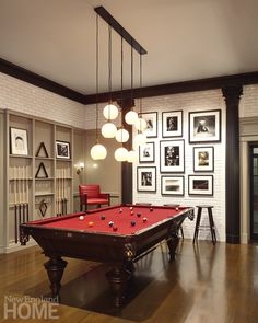 Self-Expression on Martha's Vineyard - New England Home Magazine The billiards room is on the lower level—a space dedicated to entertaining and fun and outfitted Theater Room Decor, Game Room Decor, Sports Room Decor, Billard Design, Billards Room, Pool Table Room, Pool Tables, Pool Table Lighting, Game Room Basement