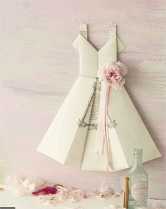 Origami dress menu by Findings Decoration