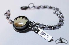 Boho Vintage Beaded Bracelet - Dried Flower Charm - No. 5 Charm - Vintage Pewter - OOAK
