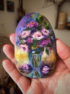 Floral art painting on stone rock and pebbles, rock painting, pebble painting, painting Rock Painting Patterns, Rock Painting Ideas Easy, Rock Painting Designs, Paint Designs, Pebble Painting, Pebble Art, Stone Painting, Ink Painting, Stone Crafts