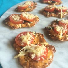 Made these for a snack and they were FANTASTIC! Tomato, Basil, Parm & Pretzel Crisps - what could be easier? Thanks Snack Factory® for providing the product! Pretzel Crisps, Pretzels Recipe, Cure Diabetes Naturally, Tomato And Cheese, Diabetic Snacks, Yummy Appetizers, Yummy Snacks, Healthy Snacks, Tomato Basil