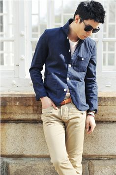 Khaki jeans, navy or dark blue chambray shirt /jacket, Latigo belt
