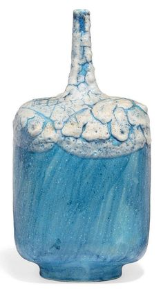 A LARGE GUIDO GAMBONE BLUE AND WHITE GLAZED POTTERY VASE