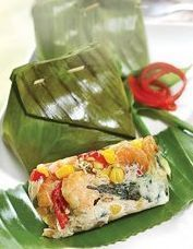 Bothok Telur Asin The future of our foods will be coming from the past. Food N, Food And Drink, Indonesian Cuisine, Indonesian Recipes, Okonomiyaki Recipe, Malay Food, Western Food, Malaysian Food, Savoury Dishes