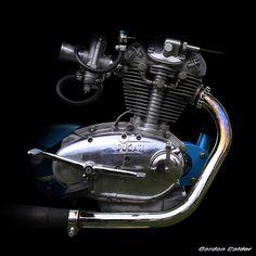 No 122: CLASSIC DUCATI (DIANA) DAYTONA 250cc ENGINE - 1963 by Gordon Calder Antique Motorcycles, Ducati Motorcycles, Classic Motors, Classic Bikes, Ducati Classic, Ducati Desmo, Motorcycle Engine, Old Bikes, Vintage Bikes