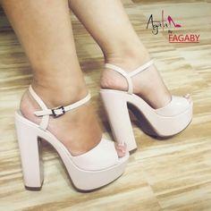 Hermosos😍😍😍😍 Bedroom Heels, High Heels, Platform, Chic, Shoes, Fashion, Heels, Presents, Sweetie Belle