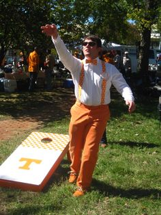 Nothing like a TENNESSEE tailgate !! Best in the SEC. ~ Check this out too ~ RollTideWarEagle.com sports stories that inform and entertain. Plus Train Deck FREE online football tutorial to learn the rules of the game you love, #Collegefootball #Vols